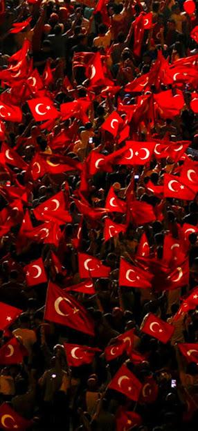 iPhone 12 Pro Max Türk Bayrağı Duvar Kağıdı Resimleri İndir